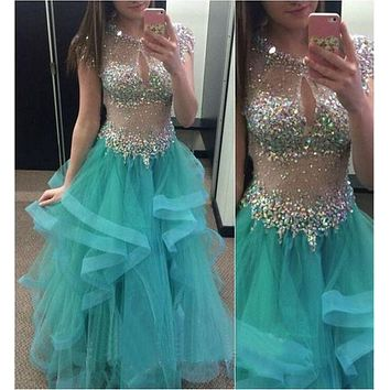 2017 Luxury Beading Long Prom Dresses Sexy A-Line O-Neck Illusion Sleeveless Party Dress Fashion Formal Evening Gowns