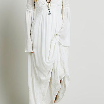 White V-Neck Long Sleeve Flare Sleeve Maxi Dress