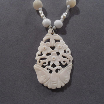 Carved Bone Flower Butterfly Ivory Color Pendant Beaded Necklace handmade pearl glass shell art deco art nouveau victorian goth lolita