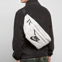 DCCK Nike Tech Hip Pack 21-52-12cm White