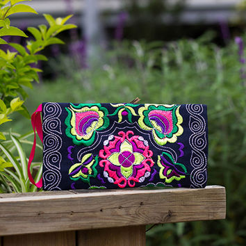 Best Deal New Maison Fabre Good Quality Women Vintage Handmade Embroidered Wallet Clutch Bag Lady Purse Wallet Gift 1PC