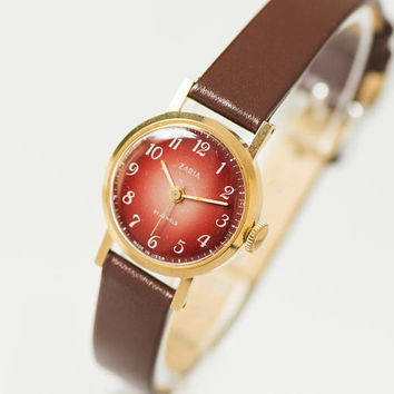 Women wristwatch classical Gold plated jewelry watch Dawn Delicate 70s fashion women watch Red brick face watch New luxury leather strap