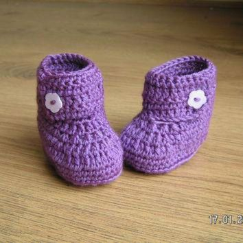 DCCK8X2 Baby booties wrap around ugg style, purple, 0-6 months.