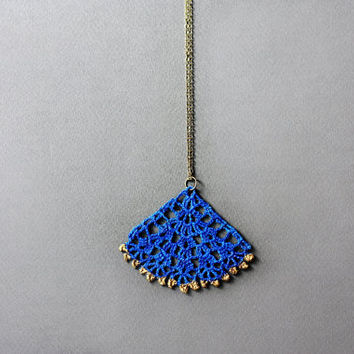 Pendant necklace electric blue neon gold painted lace