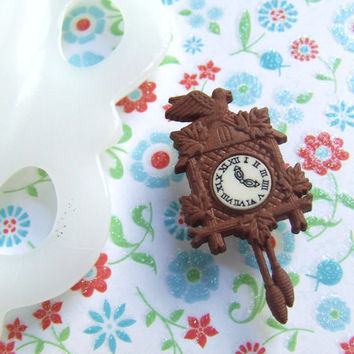 Cuckcoo Clock Brooch - Clock Pin - Rustic Styled Cuckoo Clock - Miniature Doll House Accessories - Kawaii Cute