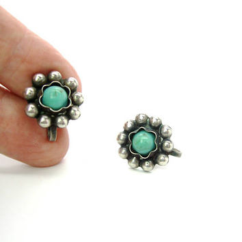 Mexican Sterling Silver Flower Earrings. Navajo Style. Turquoise Like Gemstones Dyed Howlite Southwestern Screw Backs. Vintage 1940s Jewelry