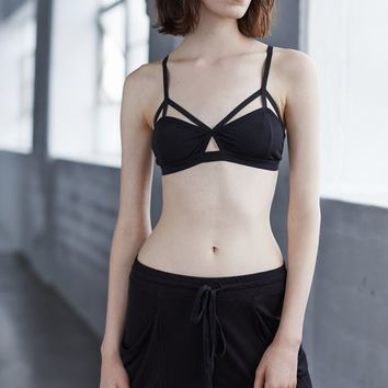 Nollie Smooth Keyhole Bralette - Womens Tee - Black