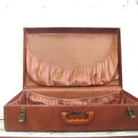 Vintage 1960s brown hardshell suitcase. Large Maxomite Maximillian suitcase