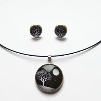 Winter Evening Snow Scene Jewellery Set, White snowy tree and moon silhouette on black sky, Picture pendant and earrings, Black & white gift
