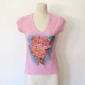 Vintage 1970 - 80s Pink Terry Cloth Koala Novelty Print Top / Fitted Pullover Shirt