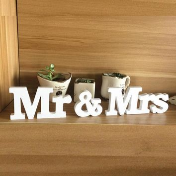 DKF4S Mr & Mrs Home Decor Wedding Decorations Wooden Letters White Wood decoration romantic mariage Birthday Party supplies