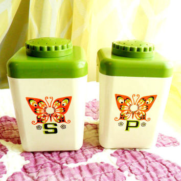 Vintage Butterfly Salt Pepper Shakers Avocado Green White Orange Yellow Black 1960s 1970s 60s 70s Retro Plastic Acrylic
