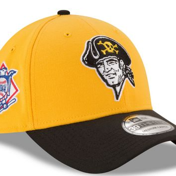 Pittsburgh Pirates Mens Gold New Era 2T Patched 39Thirty Flex Fit Hat, Gold, M/L