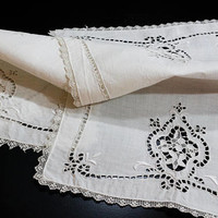 12 White Linen Point de Venise Lace Table Mats / Tray Liners, Needle Lace, Cut Work, White Work, Filet Lace Edges, Antique Linens