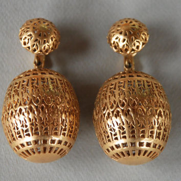 Vintage CROWN TRIFARI Clip Earrings Barrel Shaped Dangle Gold Tone Filigree Large Ethnic Cage Mod 1960's // Vintage Designer Costume Jewelry