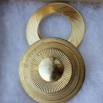 Vintage Sweater Pin Retro Gold Brooch Circle Hoop Design Vtg Shoe Clip Set of 2 Goldtone Brass Western Germany Pins