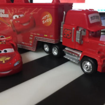 Disney Pixar Cars 2 Toys car Lightning McQueen Mack Truck The King Toys Gifts