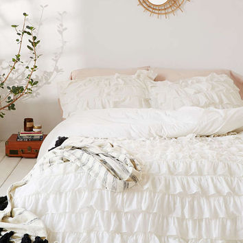 Captivating Waterfall Ruffle Duvet Cover   Urban Outfitters Photo Gallery