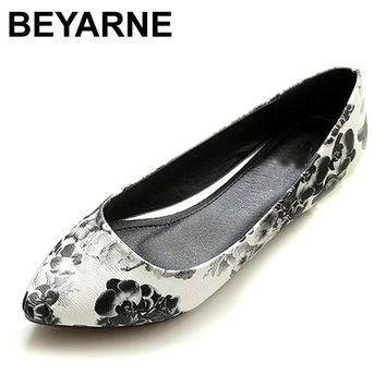 BEYARNE New Women Leather Flats High Quality Chinese Style Flower Casual Pointy Toe Ba