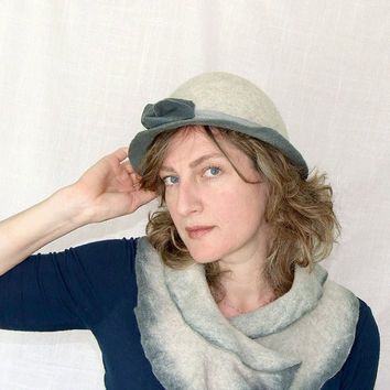Womens vintage Bowler Hat in gray celadon 30 40s by Leris on Etsy