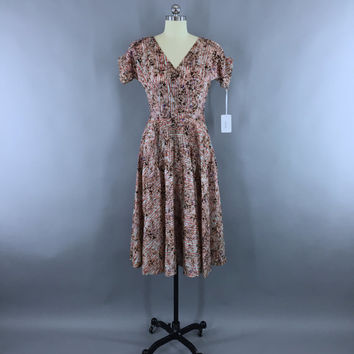 Vintage 1950s Dress / 50s Day Dress / New Look Dress / Floral Print Summer Dress / Accordion Micro Pleats / Fit and Flare