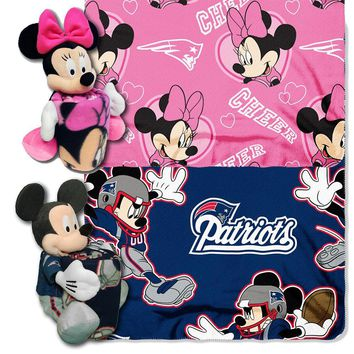 New England Patriots NFL Mickey and Minnie Mouse Throw Combo