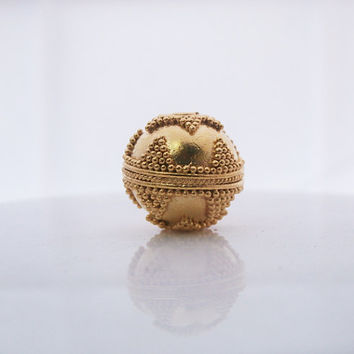 Single Solid 22 Carat Gold 12mm Round Granulation Bead Handmade in Bali, 3.0 grams, Solid Gold 12mm Round Bali Bead