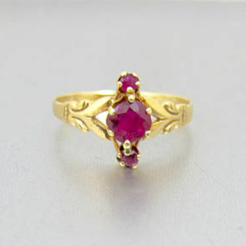 Victorian Gold Ruby Spinel Ring. 10K Yellow Gold Three Stone Ring. Antique Promise Ring. Engagement Ring. Size 7.25
