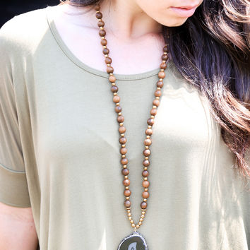 Molly Stone Necklace, Olive | BPD