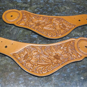 Leather Multi-Seed Floral Carved Buckleless Spur Straps