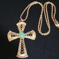 Green Art Glass Cross Pendant 23in Gold Tone Rope Chain Necklace Vintage Christian Jewelry 318