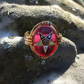 Vintage Eastern Star Ring ∙ 10K ∙ Size 6.5 ∙ Enamel Emblem with Motto Initials F.A.T.A.L. ∙ Vintage Masonic Jewelry ∙ OES