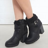 Chunky Knit Heeled Bootie | Wet Seal