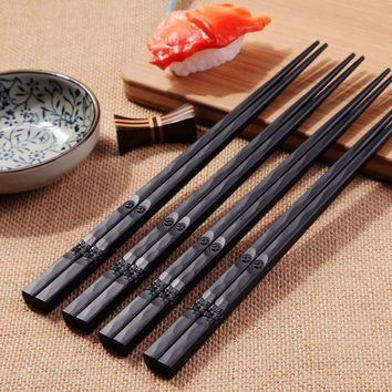 1Pair Portable Japanese Sushi Chop Sticks Chinese Chopstick Learner Gifts Set Exquisite Non-Slip Tableware Kitchen Accessorie