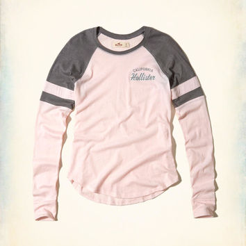 Girls Colorblock Raglan Graphic Tee | Girls Tops | HollisterCo.com
