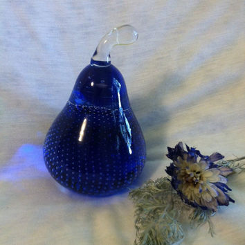 Blue Glass Pear Paperweight Vintage Art Glass Pear Figurine with Bullicante Bubbles Hand Made Blue Pear Home Decorative Art Glass Accessory