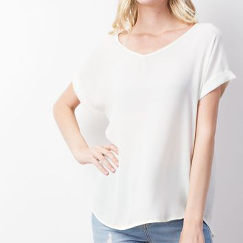 woven double v cuffed short sleeve top