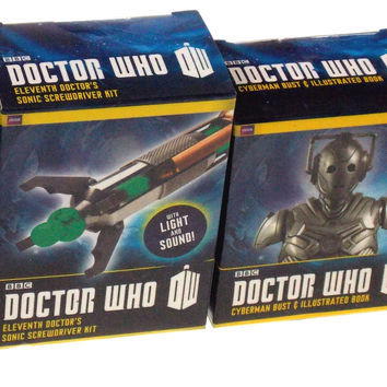 Set 4 Doctor Who BBC Tardis Dalek Cyberman Bust 11th Dr Sonic Screwdriver Lights