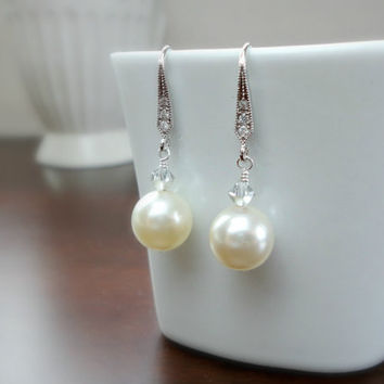 Pearl and crystal bridal earrings, Wedding earrings, Bridesmaid earrings, Simple everyday earrings
