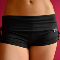 Shorts in black for Bikram yoga