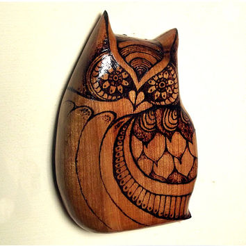 Owl Wall Hanging with Pyrography (Wood burning) Carving in Cherry, made in UK. Owl Wall art, wood carving, Owl ornament, Owl decor