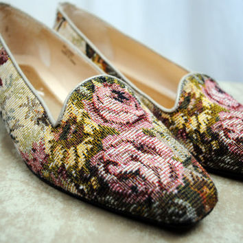 Vintage Floral Tapestry Flats  Size 8 by RogueRetro on Etsy
