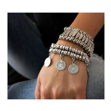 ESSENCE Boho Dangle Coin Bracelet