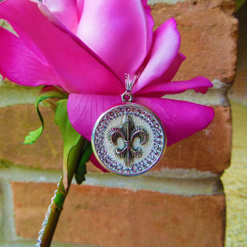 Fleur-de-lis pendant adorned with beautiful Swarovski Crystals, fleur-de-lis, necklace, Swarovski Crystals, silver, sparkly, jewelry