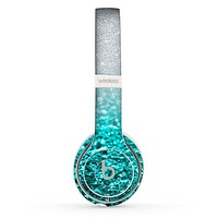 The Tiffany Blue & Silver Glimmer Fade Skin Set for the Beats by Dre Solo 2 Wireless Headphones
