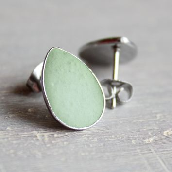Teardrop earrings - mint green