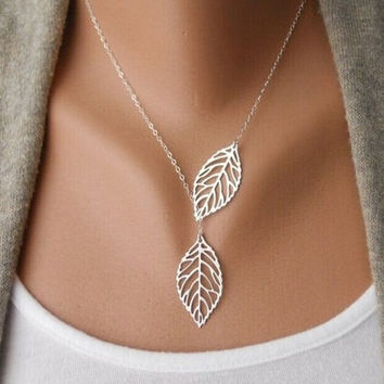 Fashion Designer Vintage Double Leaves Pendant Necklaces Collier Femme Clavicle Chain Women Collares Statement Necklace XL007 = 1946670276