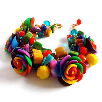 Flower bracelet, colorful jewelry, multicolor roses bracelet, rainbow summer boho finds, gift for women, shell gemstone clay, dangle charm.