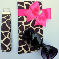 Giraffe Sunglasses Case and Key Fob Set with Bow