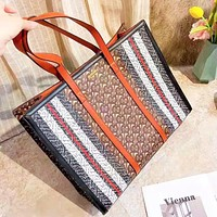 Burberry selling casual lady's shopping bag with a fashionable printed color contrast shoulder bag